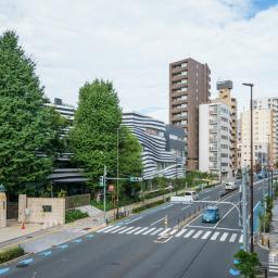 Full view of Ochanomizu University, Hisao & Hiroko Taki Plaza (お茶の水女子大学 国際交流留学生プラザ)
