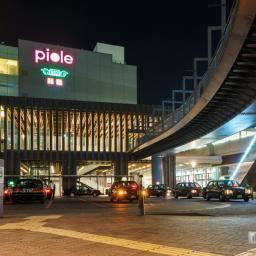 Exterior view of Himeji Station north exit (姫路駅北口)