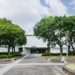 The facade of Hyogo Prefectural Museum of History (兵庫県立歴史博物館)