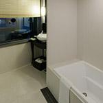 Bathroom of Harmonie Embrassee Osaka (アルモニーアンブラッセ大阪).