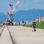 Child on long road, Hiroshima Environment Bureau, Naka Incineration Plant (広島市環境局 中工場)