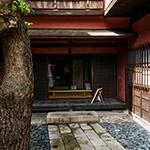Entrance space of Sumiya (角屋)