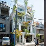 Exterior view of Omotesando Branches (表参道ブランチーズ).
