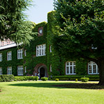 Exterior view of Rikkyo University, Morris Hall (立教大学 モリス館)