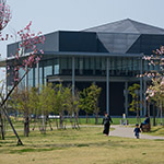 Exterior view of Tokyo University of Science, Library (東京理科大学 葛飾キャンパス 図書館棟)