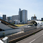 2018-08-19_full_view_of_shin-hakushima_stationphoto_45049759035