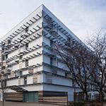 Full view of Toyo University, Akabanedai (東洋大学 赤羽台キャンパス).