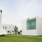Ghost and Towada Art Center (十和田市現代美術館)