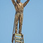 Golden Man in 21st Century Museum of Contemporary Art, Kanazawa (金沢21世紀美術館)