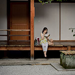 Lady in a relaxed (くつろぎの読書)