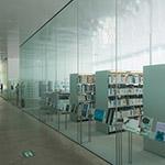 Library space in 21st Century Museum of Contemporary Art, Kanazawa (金沢21世紀美術館)