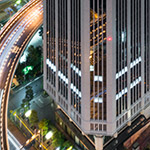 Overpass and Daido Life Insurance Company Head Office Building (大同生命大阪本社ビル).