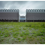 The facade of Shirakawa Data Center (白河データセンター)