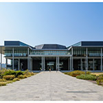 The facade of Tokyo University of Science, Library (東京理科大学 葛飾キャンパス 図書館棟)