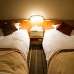 Twin bed room in Senri Hankyu Hotel (千里阪急ホテル)